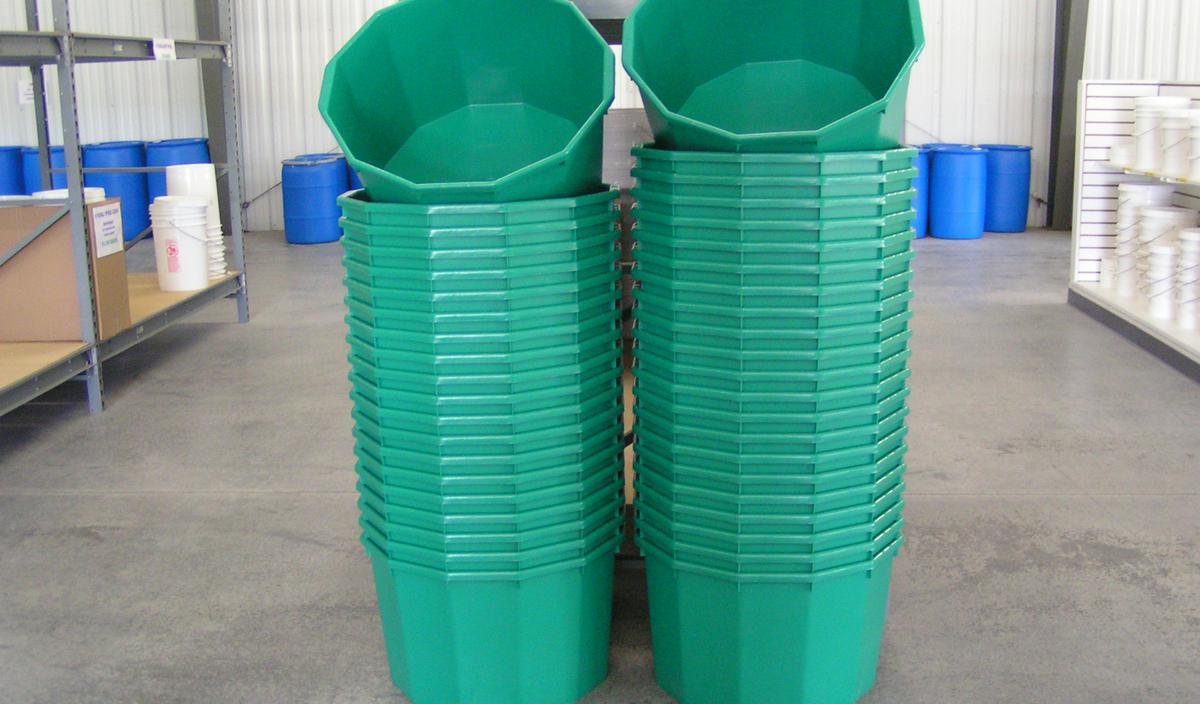 Open Head Feed Tubs 20 Gallon Water